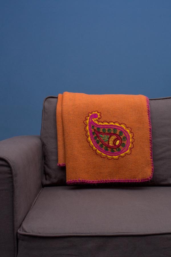 Wolldecke Mit Paisly Bestickt Initiative Handarbeit